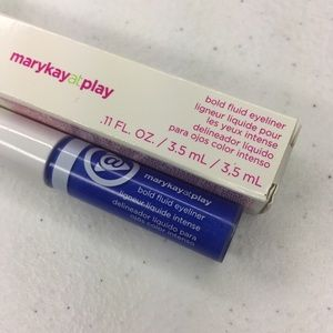 Mary Kay At Play fluid eyeliner in Blu My Mind